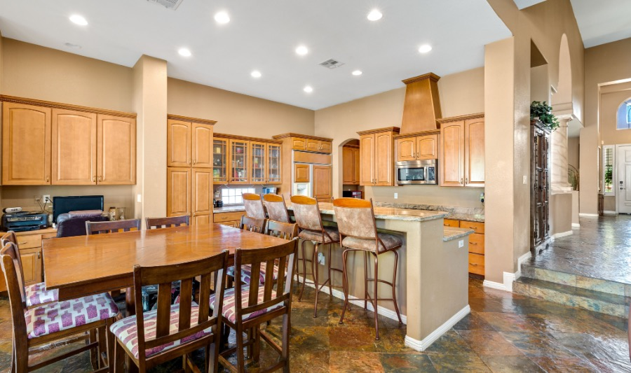 7424 Queen Charlotte | Kitchen